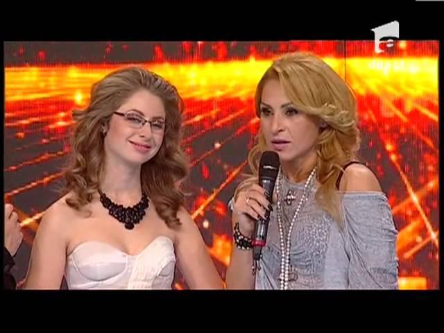 Moment emotionat la X Factor! Petra Pintelei a primit ochelarii pe care i-a așteptat o viata