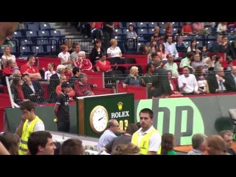 Novak Djokovic vs Milos Raonic in Davis Cup (Serbia - Canada) with BOICI Laurentiu Junior ball boy