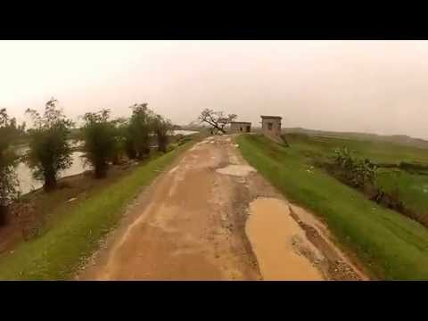 Dirt biking Vietnam: Cau River dike - Bac Giang