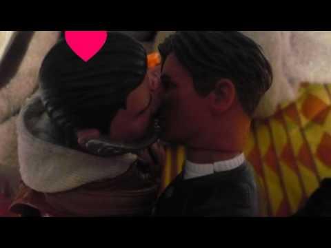 Una Historia De Amor Y Cuernos Entre Dos Muñecos De Plastico Que Son Gays (UHDAYCEDMDPQSG)