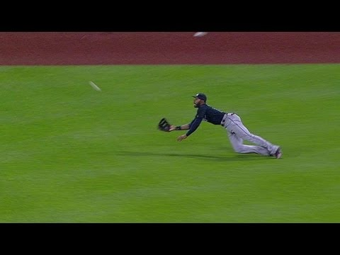 Heyward ends the game with terrific catch