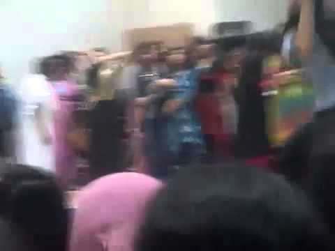 Pakistani girl dance in Islamabad College Party