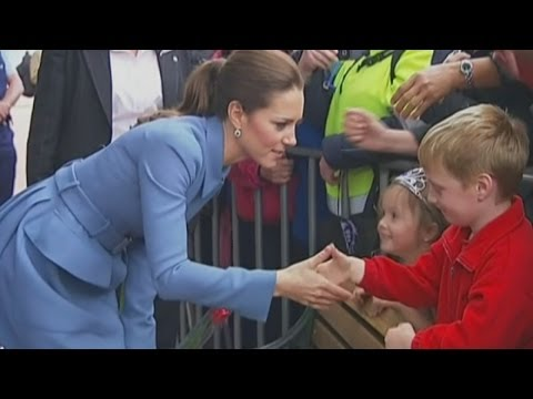 Kate meets crowds in Blenheim