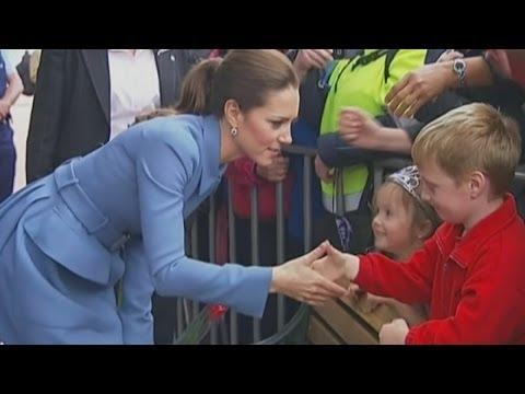Kate meets crowds in Blenheim