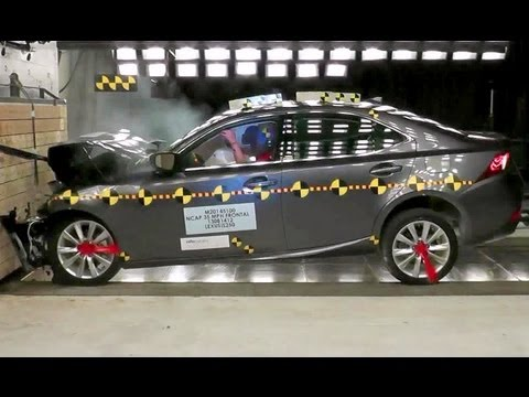 2014 Lexus IS | Frontal Crash Test by NHTSA | CrashNet1