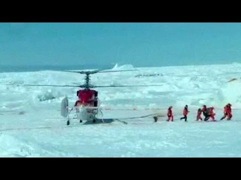 Chinese helicopter rescues passengers on stranded Antarctic ship