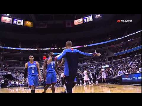 Kevin Durant THUNDEROUS One-Handed Alley-Oop Dunk against the Wizards (March 14, 2011)
