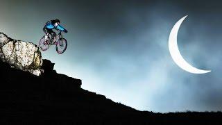 Bikers Riopardo | Danny MacAskill e sua incrível pedalada no eclipse