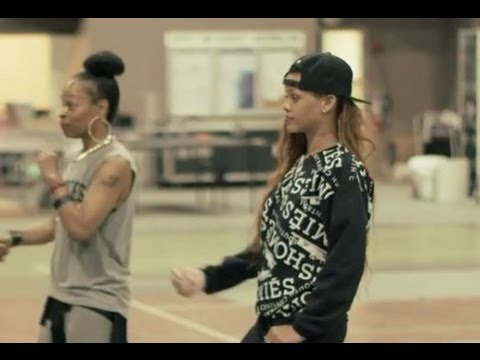Rihanna 'Diamonds' Tour Rehearsal Behind The Scenes