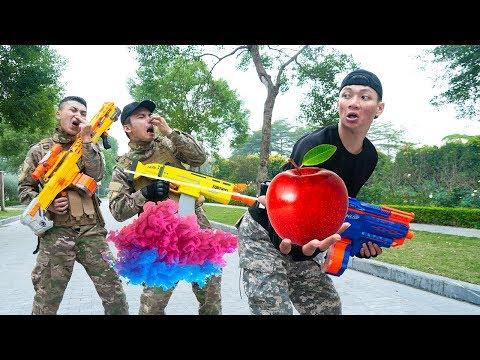 Battle Nerf War: Apple Salesman & Blue Police Nerf Guns Robbers Group Fighting Skills Funny