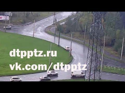 Утром на Чапаевской кольце произошло два ДТП