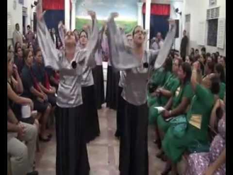 Grupo de gestos SHEKINAH com o hino VARÃO DE FOGO de Lauriete