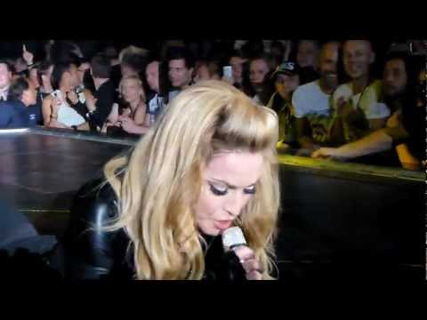 Madonna - Papa Don't Preach - MDNA Tour - Berlin 28.06.2012