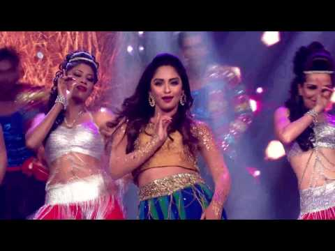 Krystle D'souza's Dances On Laila Main Laila |Moment|Grand Finale|The Voice India S2|12th March|9 PM