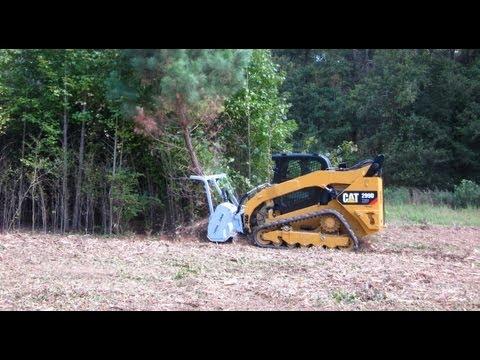 Desbastador Florestal em minicarregadeira CAT 299D