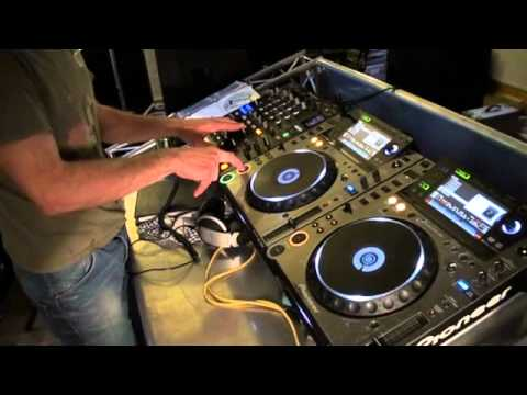 Dj Tutorial. How to mix ,chop old school tunes