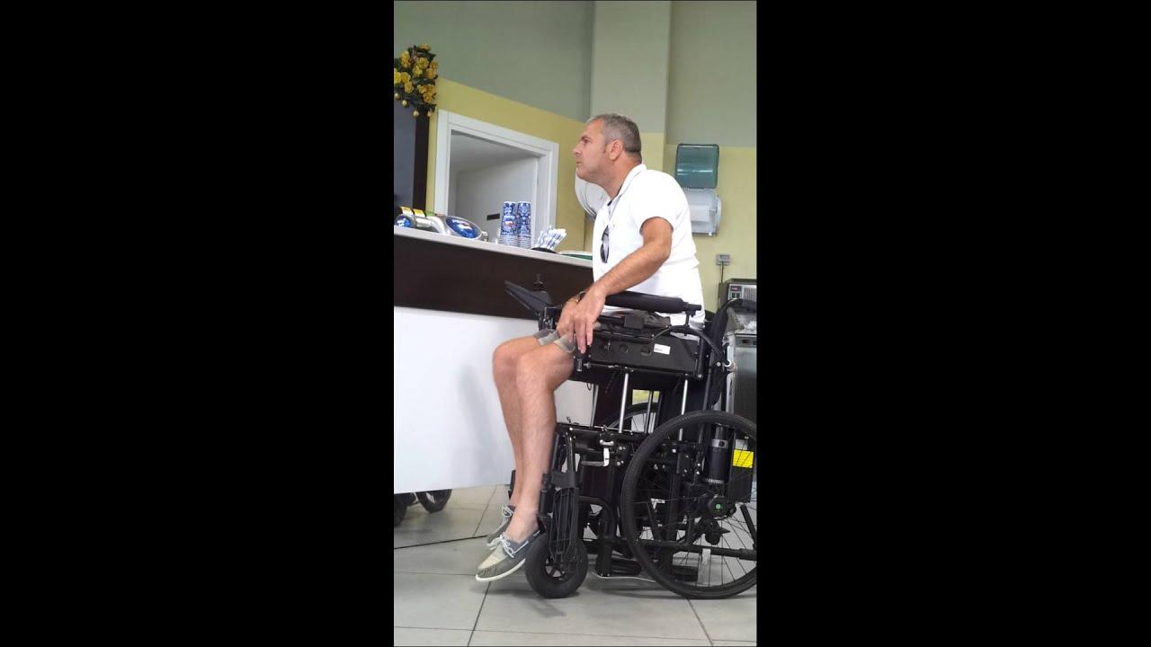 Bi move nuova sedia a rotelle youtube for Sedia elettrica youtube