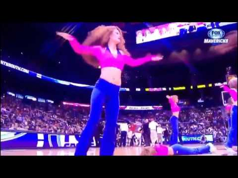BLS - hawks cheerleader hits head
