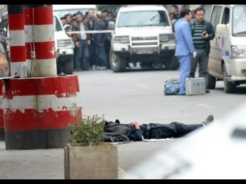 China: 3 killed in knife attack in Changsha town湖南长沙街头发生伤人事件