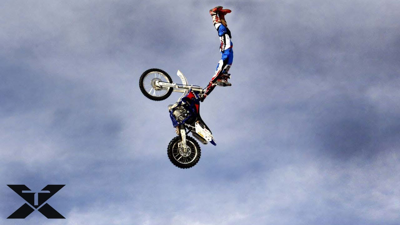 Displaying 18> Images For - Awesome Dirt Bikes Tricks...