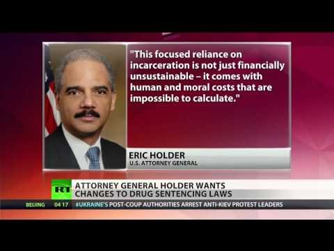 Holder endorses shorter prison sentences for nonviolent drug crimes