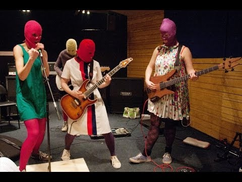 Jailed members of Russian punk band Pussy Riot freed
