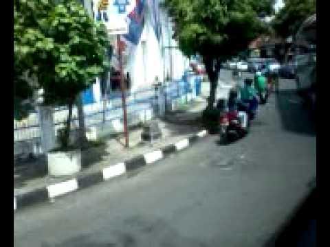 Pengamen bus Yogyakarta (Study tour SMA Kartika X-1, Jakarta. 2012)