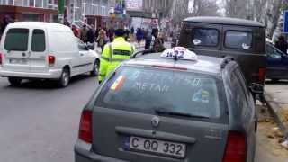 Poliția e complice la fărădelegi lîngă Piața Centrală