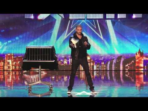 Великобритания търси талант – илюзии и фокуси с Дарби Оук