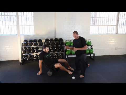 How to Foam Roll Massage Butt (Gluteus Maximus)