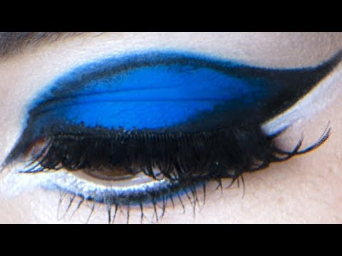 Make-Up Atelier Paris: Make Up Tutorial - Blue, Make-Up Atelier Paris on Facebook: http://www.facebook.com/pages/Make-Up-Atelier-Paris/159347984086925 Maquillage par Hélène Quillé. Make-Up Atelier Paris Fo...