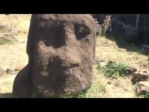 Isla de Pascua - Ruinas Arqueológicas - Moais