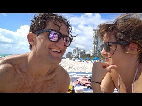 GIRL LOVES BEACH