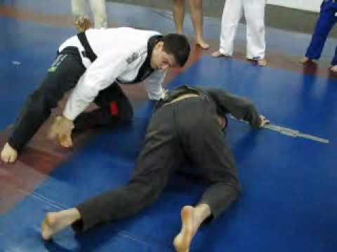 Aquecimento - Entrada de gancho para pegada de costas - (aula JIU JITSU 10 11 09)