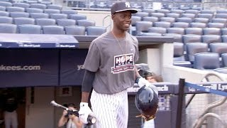 Singleton spends the day with the Yankees