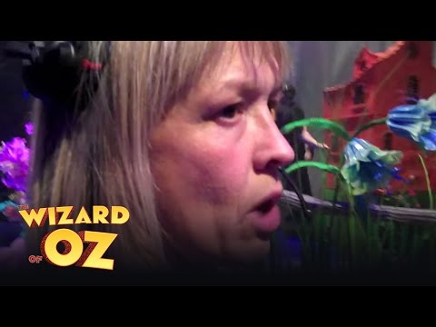 Wizard of Oz - In the wings with Jo Miles, Part 2