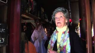The Conjuring Featurette: The Real Lorraine Warren
