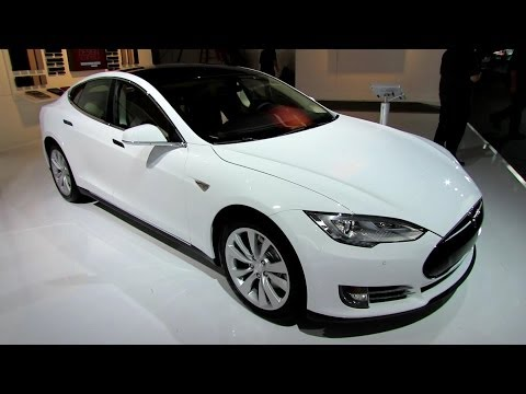 2014 Tesla Model S 60kW - Exterior and Interior Walkaround - 2014 Detroit Auto Show