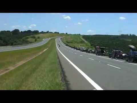 Racha de Moto R1 a 300 KM