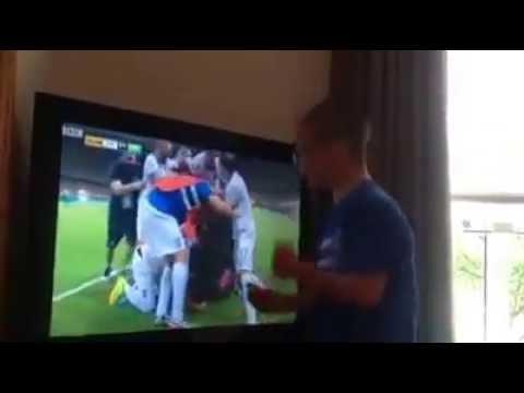 Kid with Down Syndrome celebrates at Samaras goal