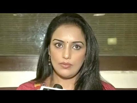 Actress Shweta Menon tells media she will withdraw molestation case against Congress MP