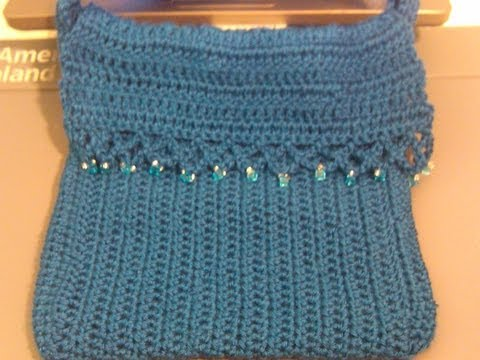 Hình ảnh trong video Fun and easy 2 color Contrasting crochet purse