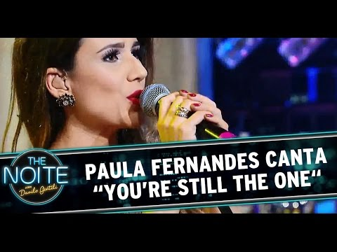 "Paula Fernandes canta ""You're Still the One"""