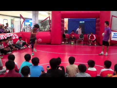 McDonald's Soccer Mania 2011 Freestyle - Philip Warren Gertsson and Futkalero Dennis Balbin