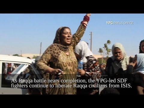 سورية تمزق ثيابها أمام الكاميرا احتفالا بهزيمة داعش