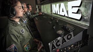 Como reage o corpo humano quando há despressurização na cabine? Quais os procedimentos corretos para ejetar? Quais os riscos da desorientações espacial? Quais as peculiaridades do óculos de visão noturna? As respostas estão no Instituto de Medicina Aeroespacial (IMAE), no Rio de Janeiro, responsável pelo treinamento de aeronavegantes militares para situações de emergência.