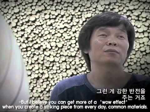 Vídeo  Troncos de árvores descartadas se transformam em deslumbrantes esculturas de madeira.