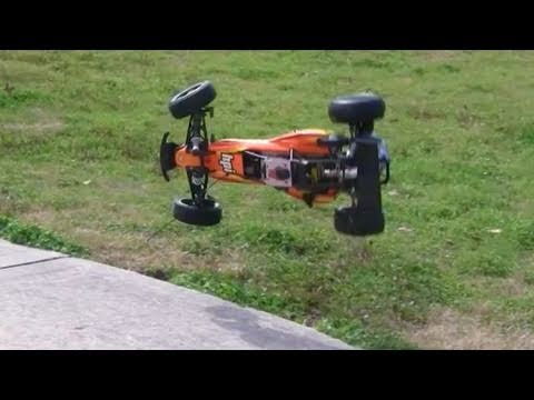 HPI Baja 5b crash