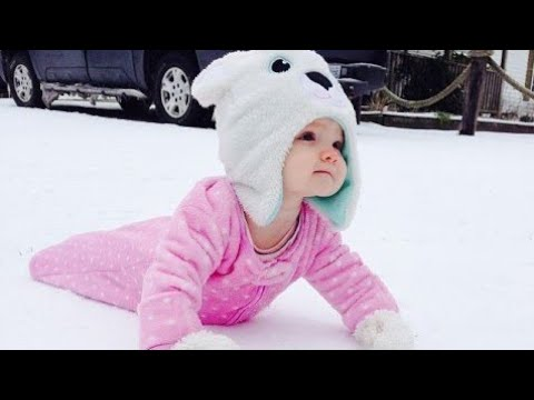 Babies Playing in the Snow First Time - Funny Baby Fails