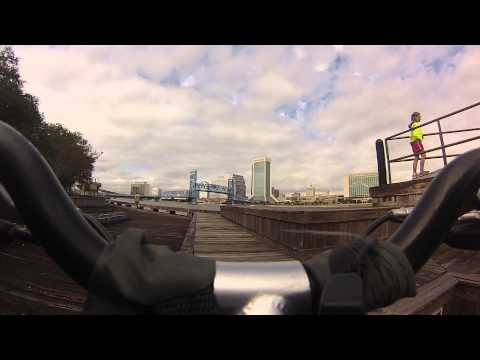 BIKE CAM MAIN STREET BRIDGE GOING UP AND DOWN FROM RIVERWALK  JACKSONVILLE FL  GO PRO